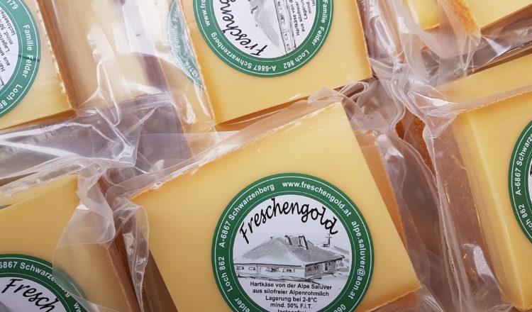 Käse und Fleischspezialitäten von der Alpe Saluver